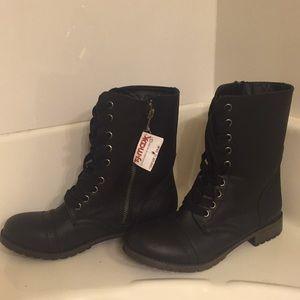 Zip-Up Black Combat Boots